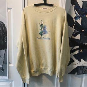 5/$12🧚♀️north carolina sweater
